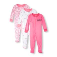 ชุดนอนเด็ก Baby And Toddler Girls Long Sleeve 'Purrfect' Family Love Print Footed Stretchie 3-Pack